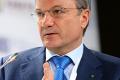 Греф: сильный рубль тормозил развитие малого бизнеса в России