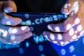 Смартфоны научились добывать криптовалюту