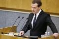Медведев: введение прогрессивного налогообложения прежде всего ударит по среднему классу