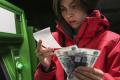Технические сбои банков оборачиваются потерями для держателей карт
