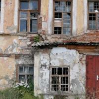 Более 3 тысяч белгородцев переселят из аварийного жилья до 2025 года